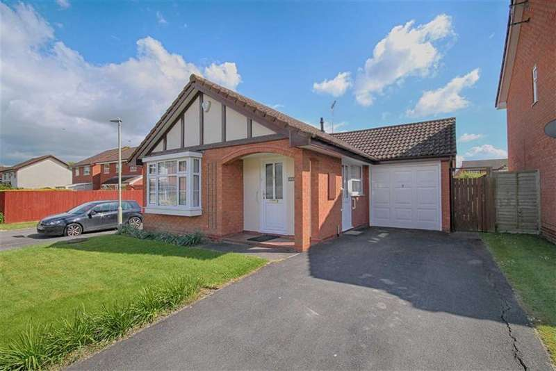 2 Bedrooms Detached Bungalow for sale in Larchmere Grove, Up Hatherley, Cheltenham, GL51