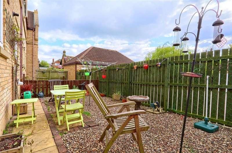 2 Bedrooms Flat for sale in Rosemoor Close, Marton