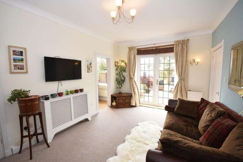 3 Bedrooms Ground Flat for sale in 54 Colinton Mains Place, Edinburgh EH13 9AX