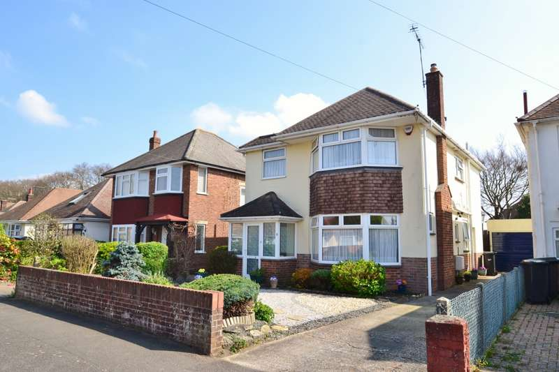 4 Bedrooms Detached House for sale in Strouden Park