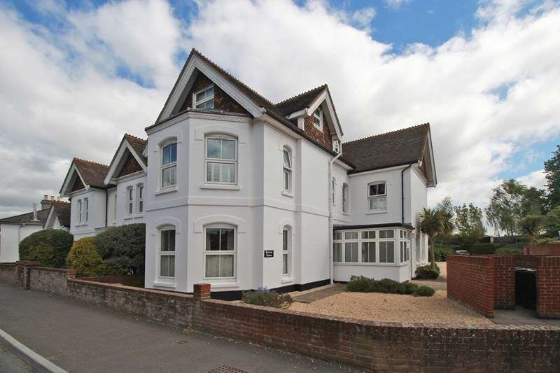 2 Bedrooms Property for sale in Salisbury Road, Burton, Christchurch