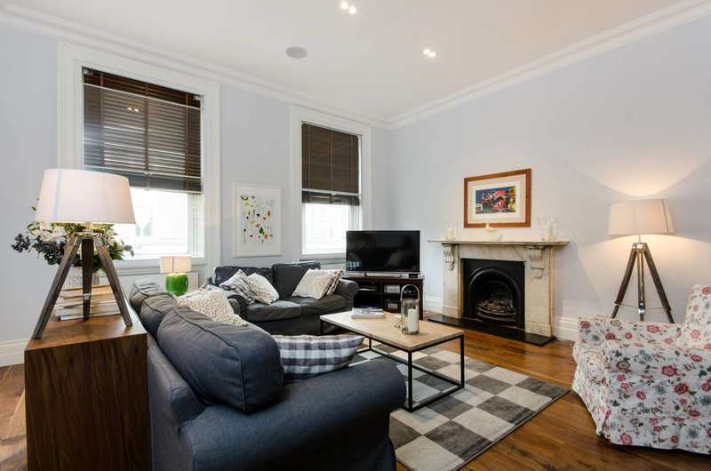3 Bedrooms Maisonette Flat for sale in Finborough Road, Chelsea, SW10