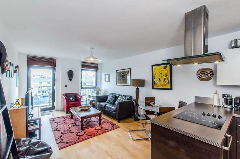 2 Bedrooms Flat for sale in Oval Road, Camden Town, NW1
