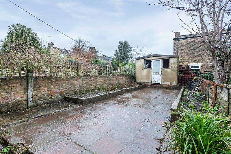 5 Bedrooms Terraced House for sale in Ashenden Road, Hackney , London E5