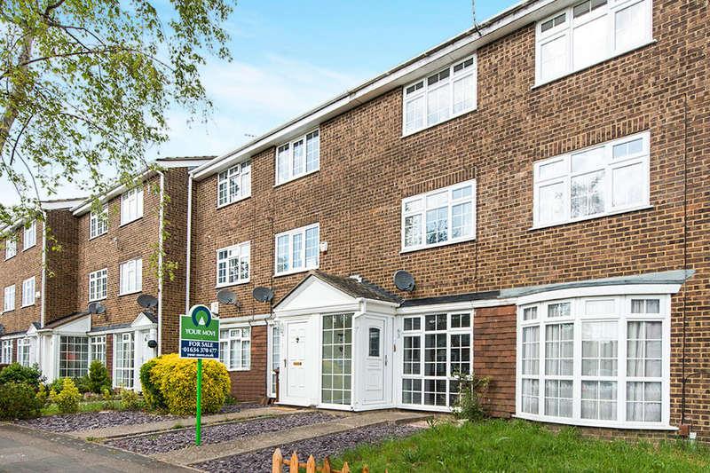 3 Bedrooms Property for sale in Tilbury Road, Rainham, Gillingham, ME8