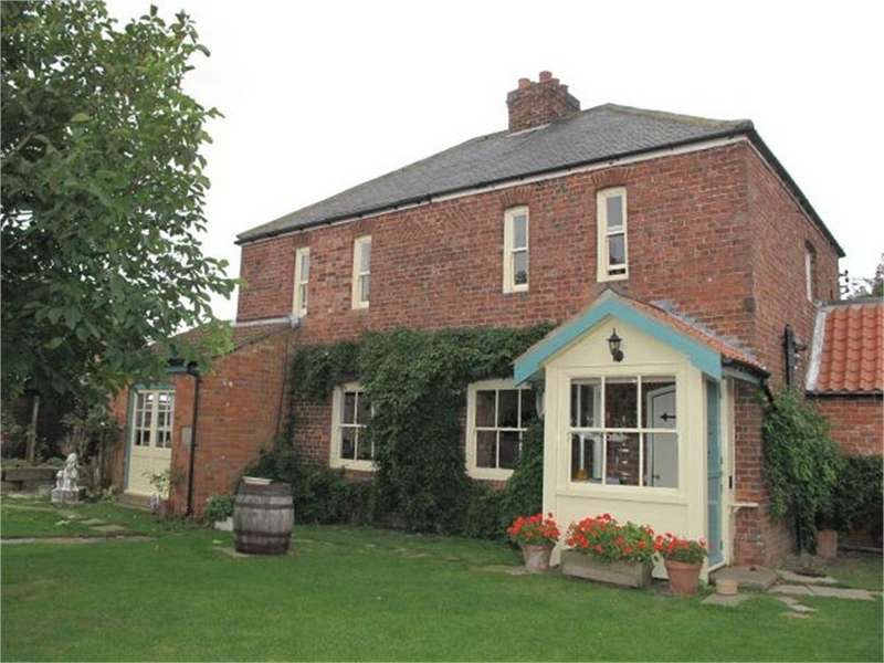 3 Bedrooms Detached House for sale in Moggy Cottage, Village Road, Sunk Island