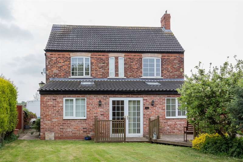 3 Bedrooms Detached House for sale in Cedric Road, Edenthorpe, Doncaster, DN3