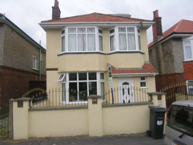 6 Bedrooms House for rent in 6 bedroom Detached House in Moordown