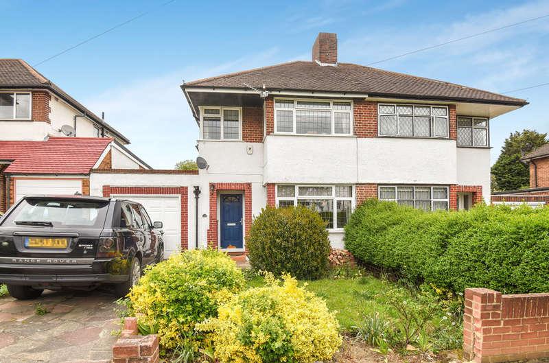 3 Bedrooms Semi Detached House for sale in Molescroft, London SE9