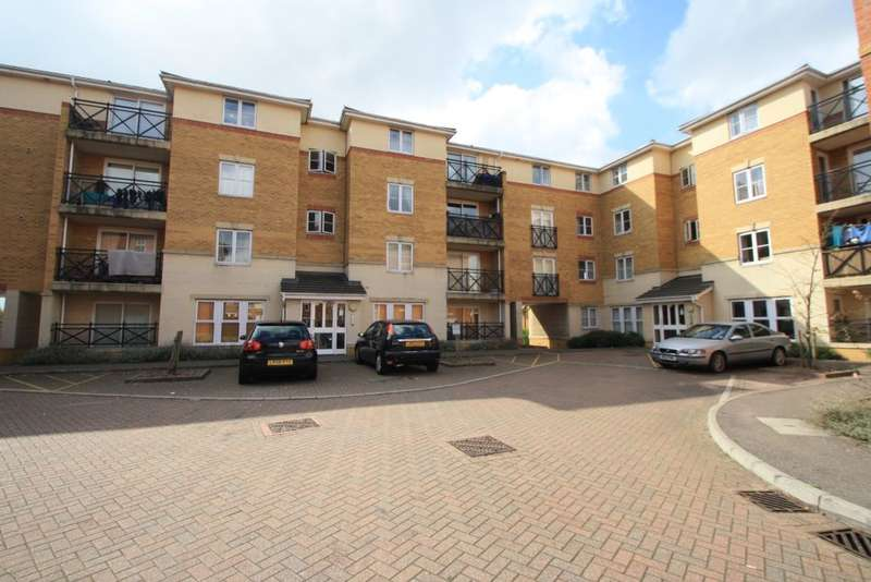 2 Bedrooms Flat for sale in Sewell Close,
