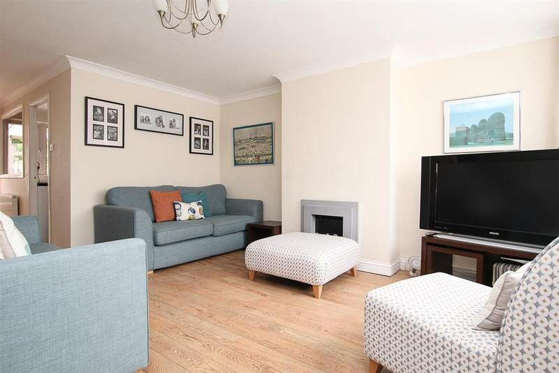 3 Bedrooms House for sale in Wistaria Close, Pilgrims Hatch