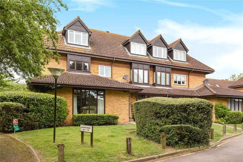 2 Bedrooms Flat for sale in Oliver Court, Crouchfield, Chapmore End, Ware, SG12