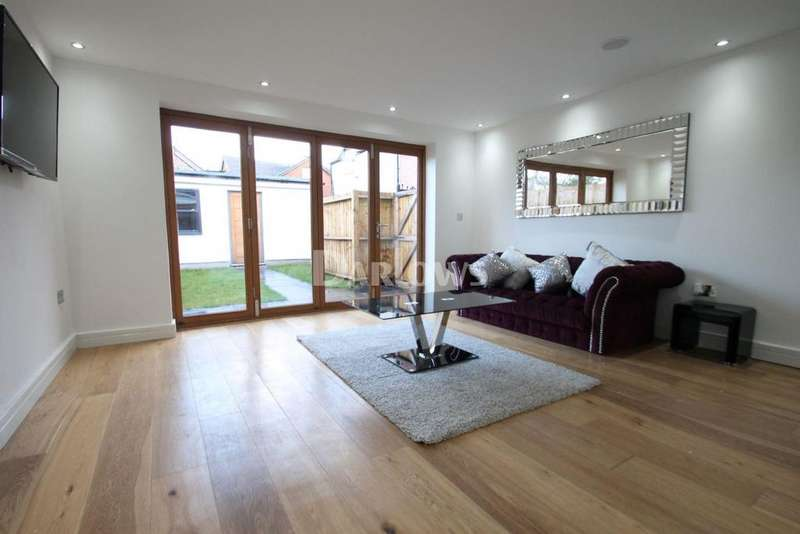 1 Bedroom Flat for sale in Lionel Road, Victoria Park