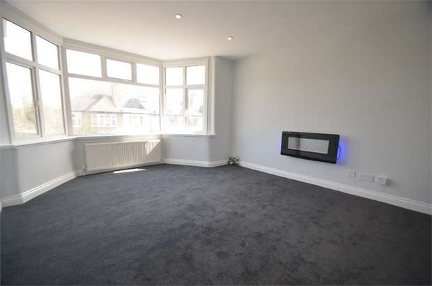 2 Bedrooms Flat for sale in Hale Grove Gardens, LONDON