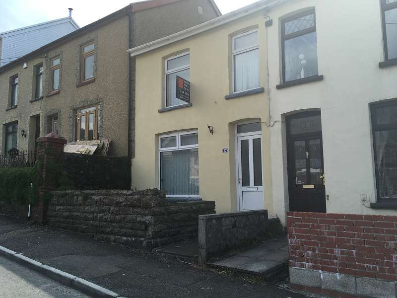 3 Bedrooms Terraced House for sale in Brytwn Road, Cymmer, Port Talbot, Neath Port Talbot. SA13 3EN