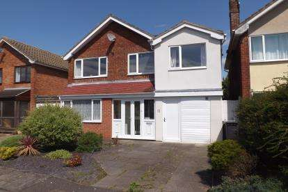 4 Bedrooms Detached House for sale in Bladon Crescent, Alsager, Stoke-On-Trent