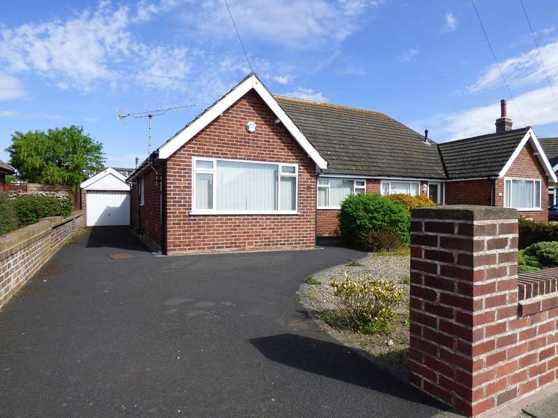 2 Bedrooms Semi Detached Bungalow for sale in Deal Place, St Annes.