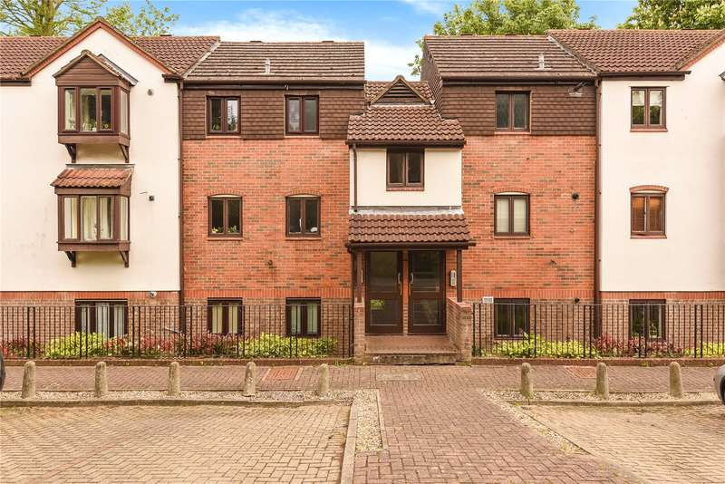 2 Bedrooms Apartment Flat for sale in Pages Lane, Uxbridge, Middlesex, UB8