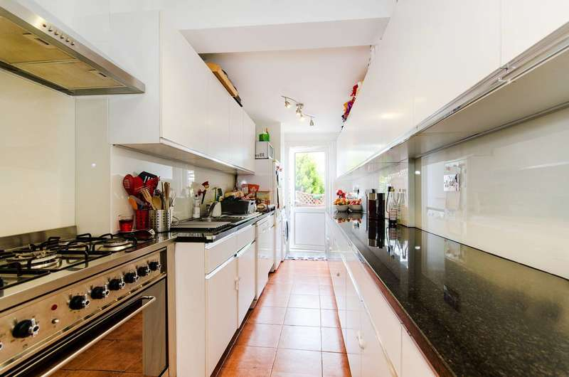 4 Bedrooms House for sale in Egerton Road, Alperton, HA0