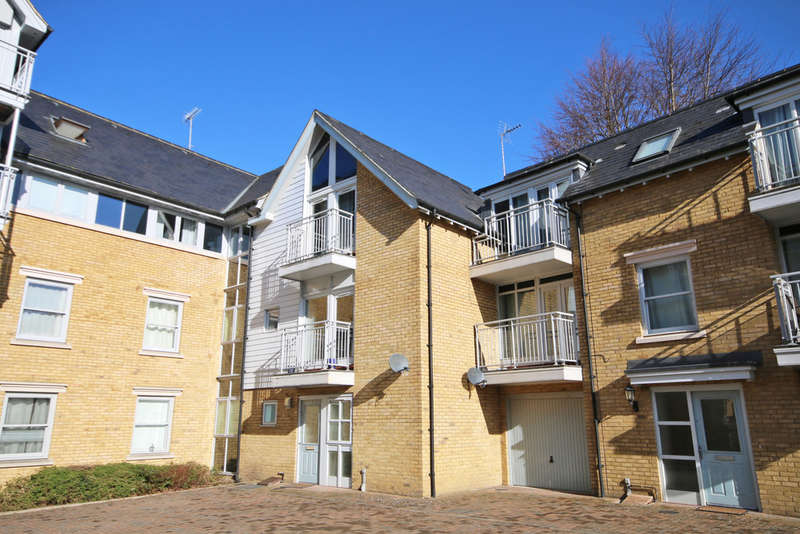 4 Bedrooms End Of Terrace House for sale in Bingley Court, Canterbury