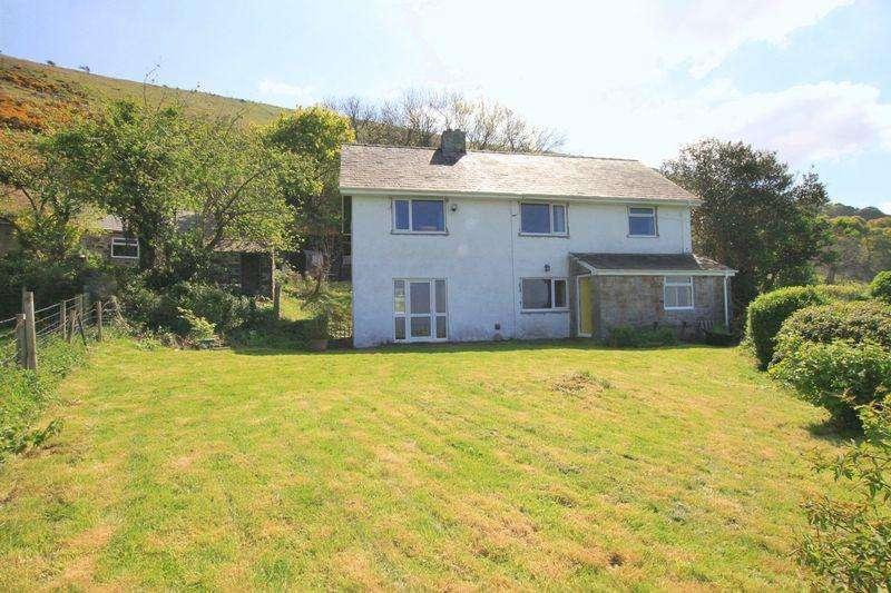 4 Bedrooms Detached House for sale in Abergwyngregyn, Llanfairfechan