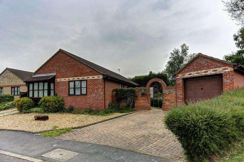 3 Bedrooms Detached Bungalow for sale in Metcalfe Way, Haddenham
