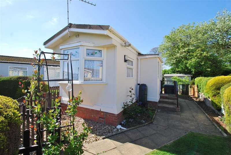 1 Bedroom Bungalow for sale in Rectory View, Whitehaven Park, Ingoldmells