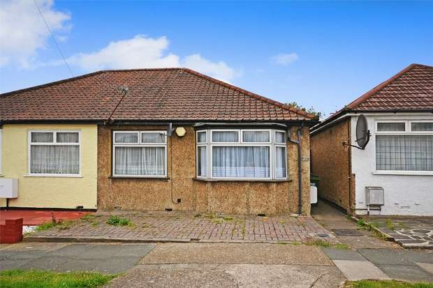 2 Bedrooms Semi Detached Bungalow for sale in Repton Avenue, WEMBLEY, Middlesex