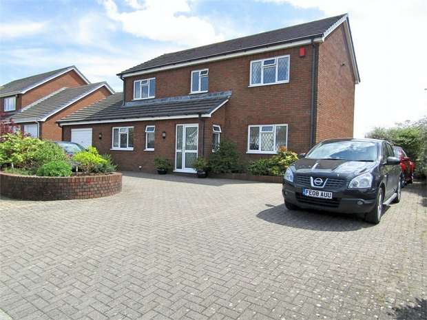 4 Bedrooms Detached House for sale in Llys Pendderi, Llanelli, Carmarthenshire
