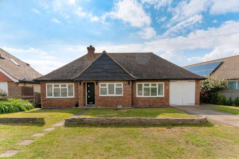2 Bedrooms Bungalow for sale in Maurice Road, Seaford, BN25 1BQ