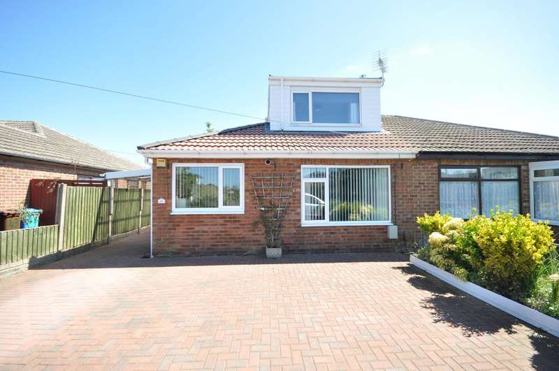 3 Bedrooms Semi Detached Bungalow for sale in Lamaleach Drive, Freckleton, Preston, Lancashire, PR4 1AJ