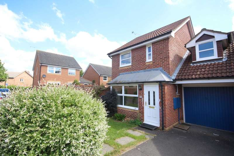 3 Bedrooms Link Detached House for sale in Augustine Walk, Warfield