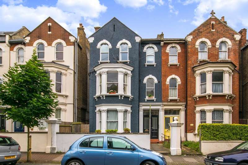 Studio Flat for sale in Sisters Avenue, Clapham Common North Side, SW11