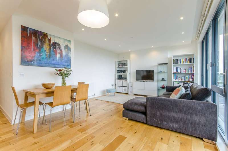 3 Bedrooms Flat for sale in Cadmium Square, Bethnal Green, E2