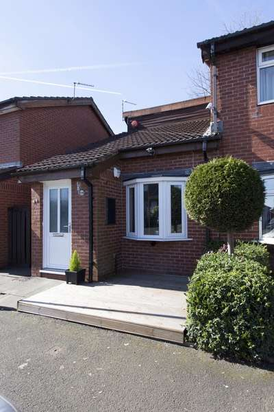1 Bedroom Semi Detached House for sale in Edward st, Manchester, Greater Manchester, M9
