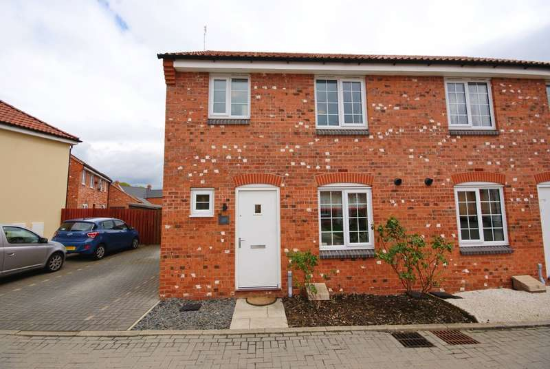 3 Bedrooms Semi Detached House for sale in Poppy Road, Witham St Hughs, Lincoln