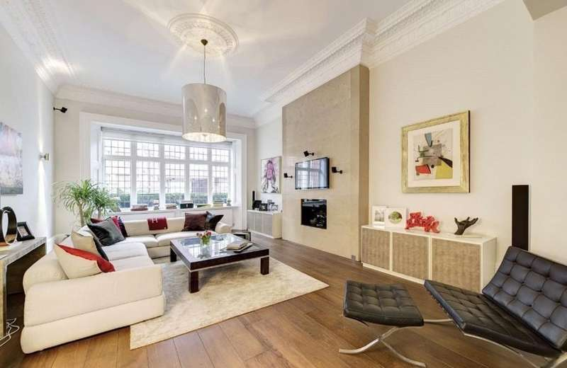 3 Bedrooms Apartment Flat for sale in Palace Gate, London W8