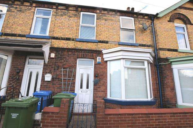 3 Bedrooms Town House for sale in Hibernia Street, Scarborough, North Yorkshire YO12 7DH