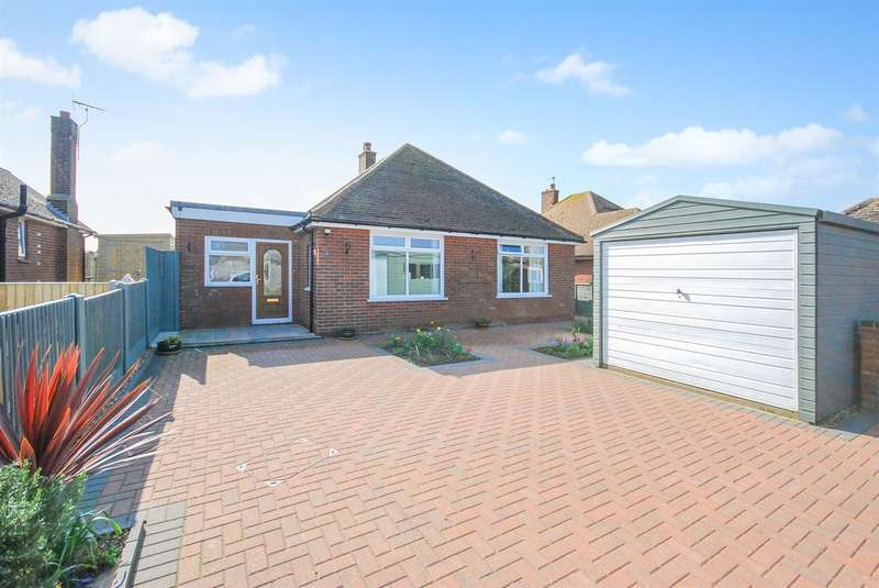 3 Bedrooms Detached Bungalow for sale in Wellesley Close, Westgate-on-Sea