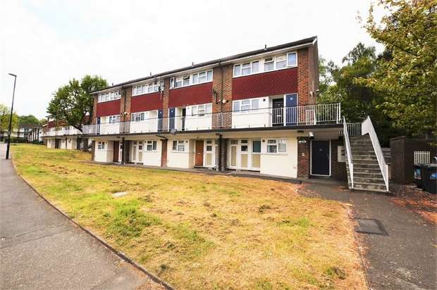 3 Bedrooms Flat for sale in Shrublands Avenue, Croydon
