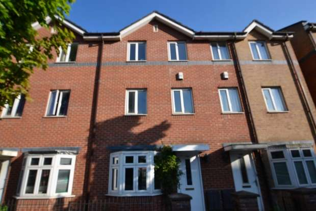 4 Bedrooms Terraced House for rent in Stretford Road Hulme. M15 4au Manchester