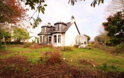 4 Bedrooms Detached House for sale in Kilbarchan Road, Bridge of Weir