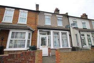 2 Bedrooms Terraced House for sale in Sussex Road, Dartford, Kent