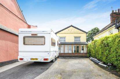 3 Bedrooms Detached House for sale in Braintree