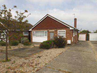2 Bedrooms Bungalow for sale in Holland-On-Sea, Clacton-On-Sea, Essex