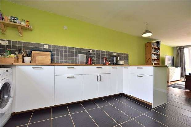 3 Bedrooms Property for sale in Vicarage Close, Oxford, OX4 4PL