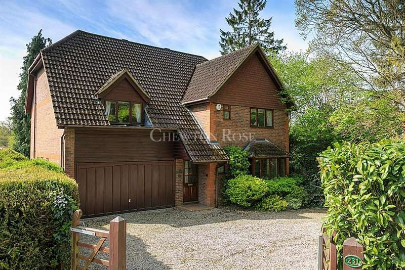 4 Bedrooms Detached House for sale in Woking