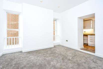 1 Bedroom Flat for sale in Orme Court, 2 Abbey Road, Llandudno, Conwy, LL30