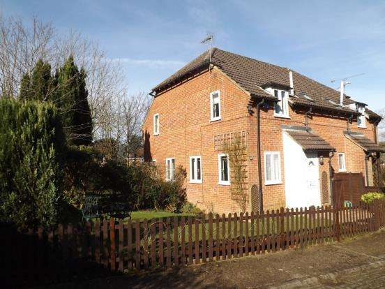 1 Bedroom Terraced House for sale in Church Crookham, Fleet