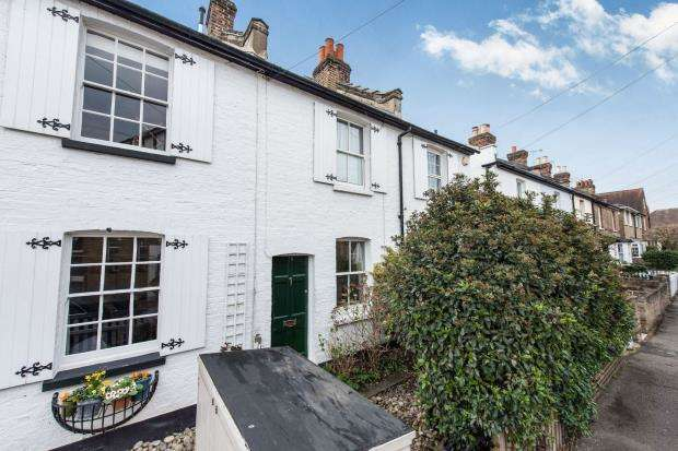 3 Bedrooms Terraced House for sale in Ham, Surrey, England